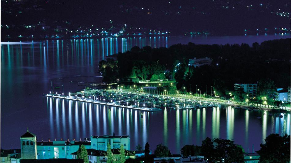 locarno-citta-di-notte-lago-722-0.jpg
