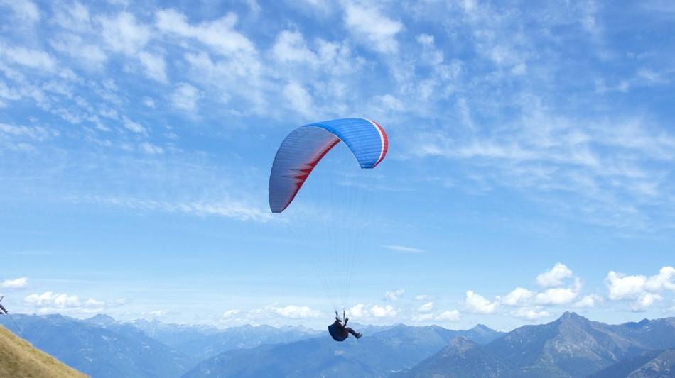 monte-tamaro-paragliding-253-0.jpg