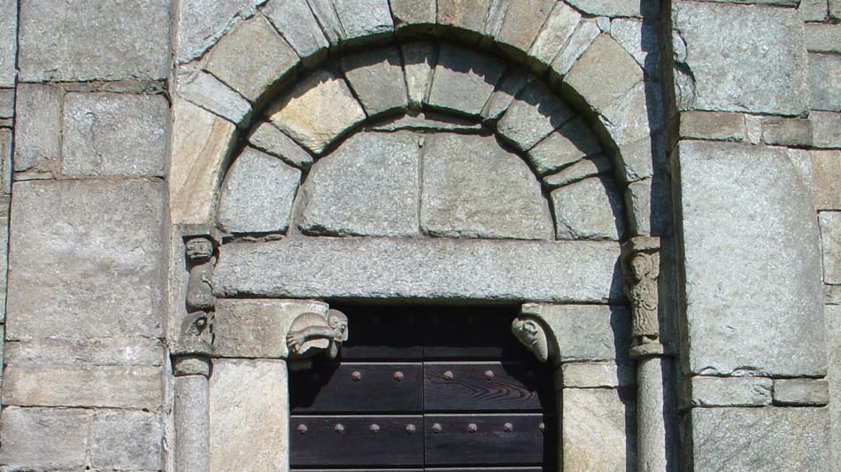 porta-chiesa-architettura-533.jpg
