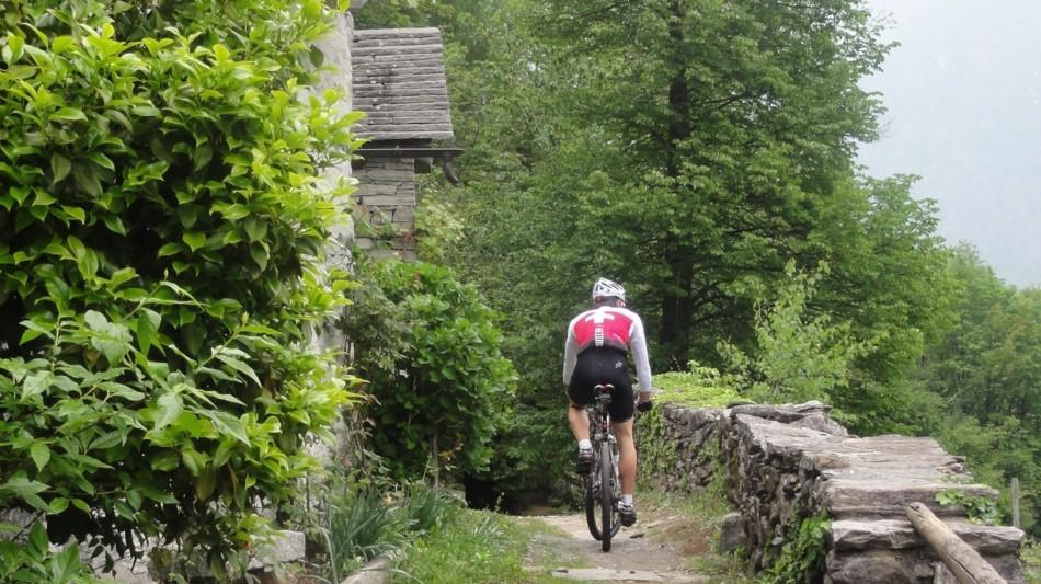 bike-in-vallemaggia-952-0.jpg