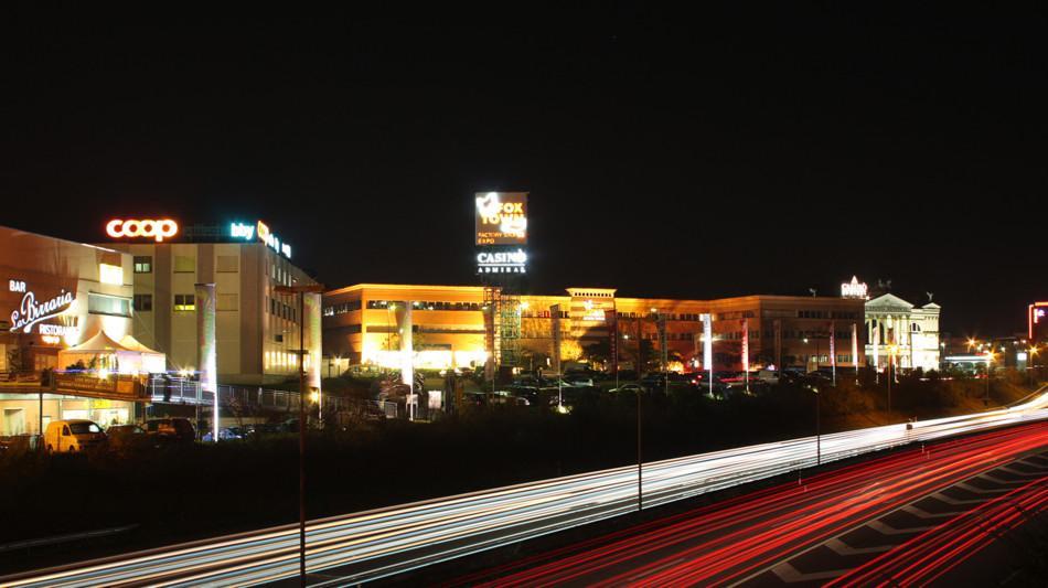 mendrisio-foxtown-esterno-di-notte-288-0.jpg