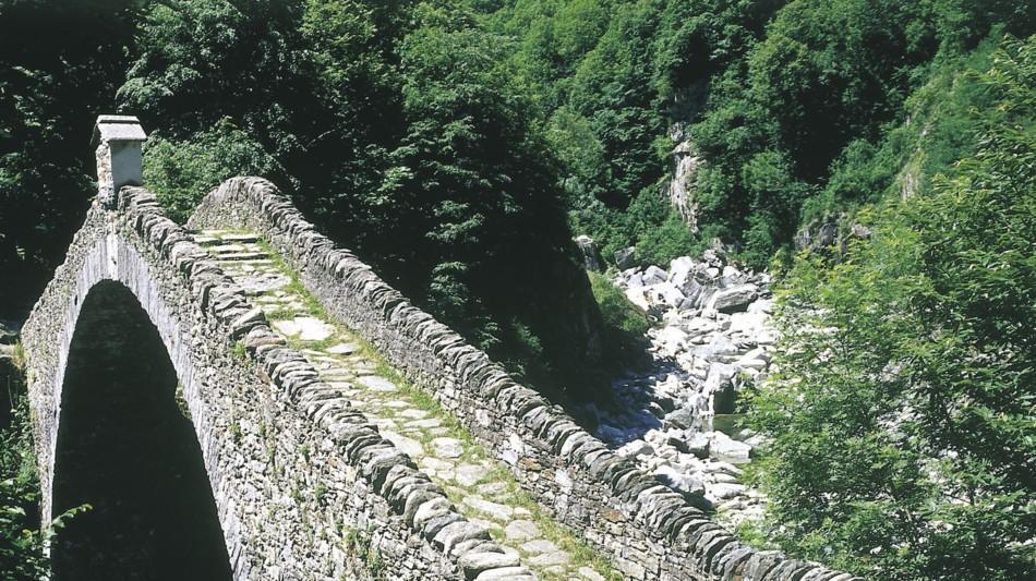 centovalli-ponte-romano-intragna-1061-0.jpg
