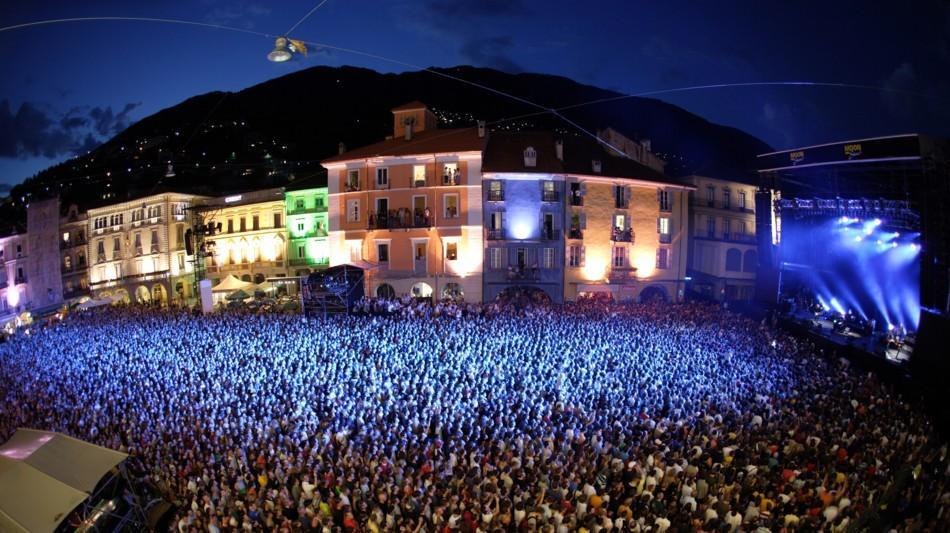 locarno-moonstars-piazza-grande-1191-0.jpg