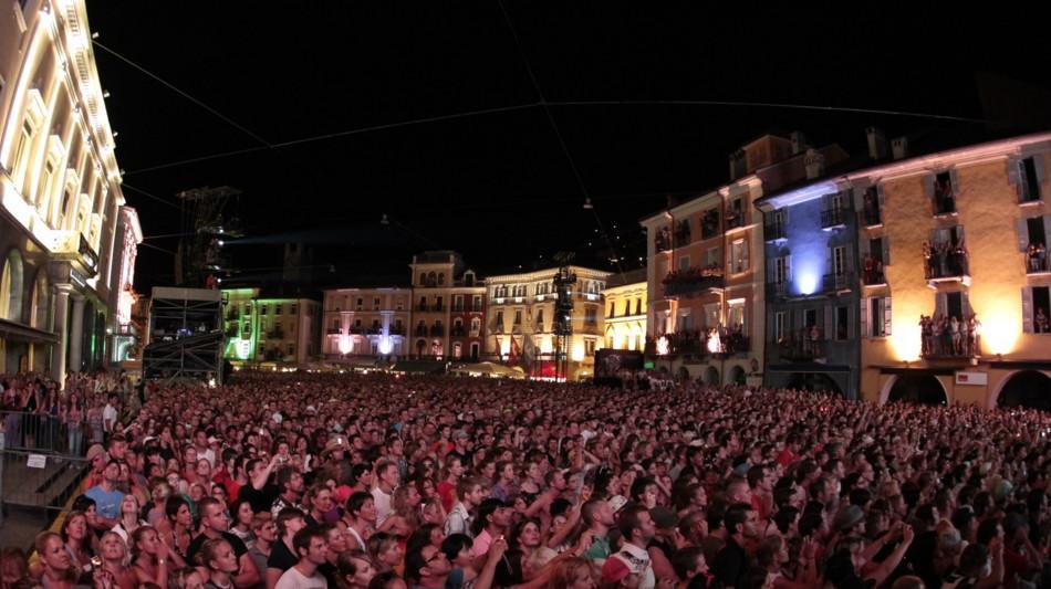 locarno-moonstars-piazza-grande-1193-2.jpg