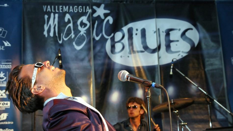 magic-blues-1136-0.jpg