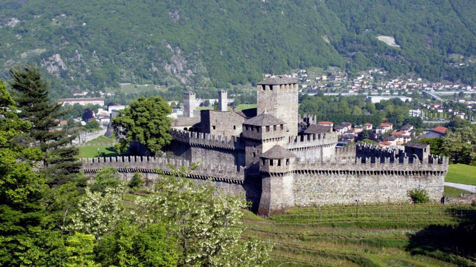 bellinzona-castello-montebello-1586-1.jpg