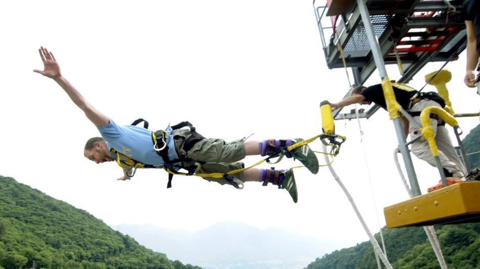 diga-della-verzasca-bungy-jumping-1459-0.jpg