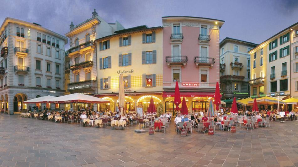 lugano-piazza-riforma-panoramica-1237-0.jpg