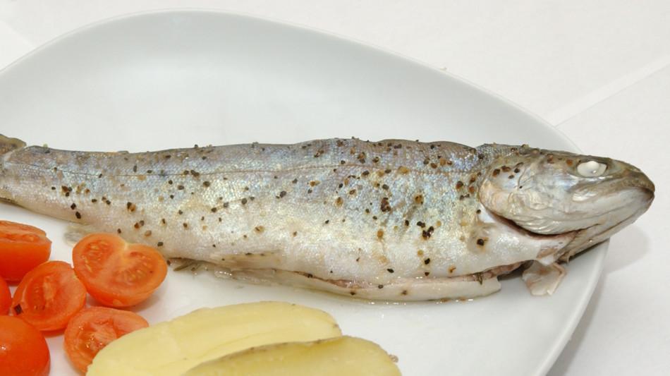 pesce-di-lago-al-vapore-1515-0.jpg