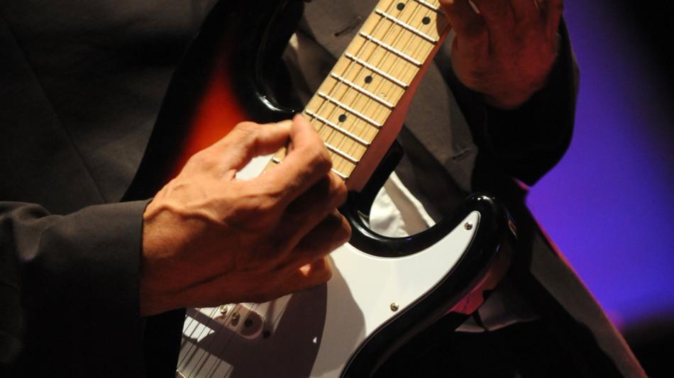 chitarra-elettrica-2052-0.jpg