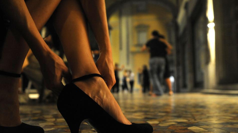 tango-1987-0.jpg