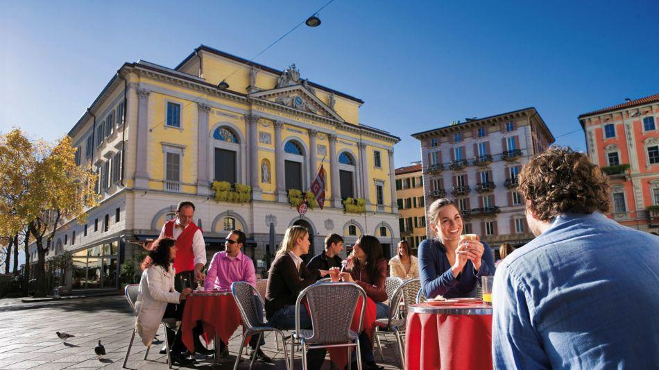 lugano-piazza-riforma-cafe-1223-0.jpg