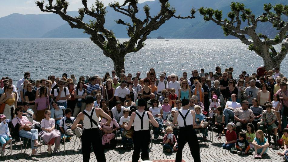 ascona-festival-strassenkunstler-816-0.jpg