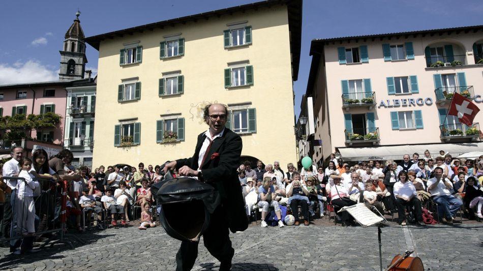 ascona-festival-strassenkunstler-818-0.jpg