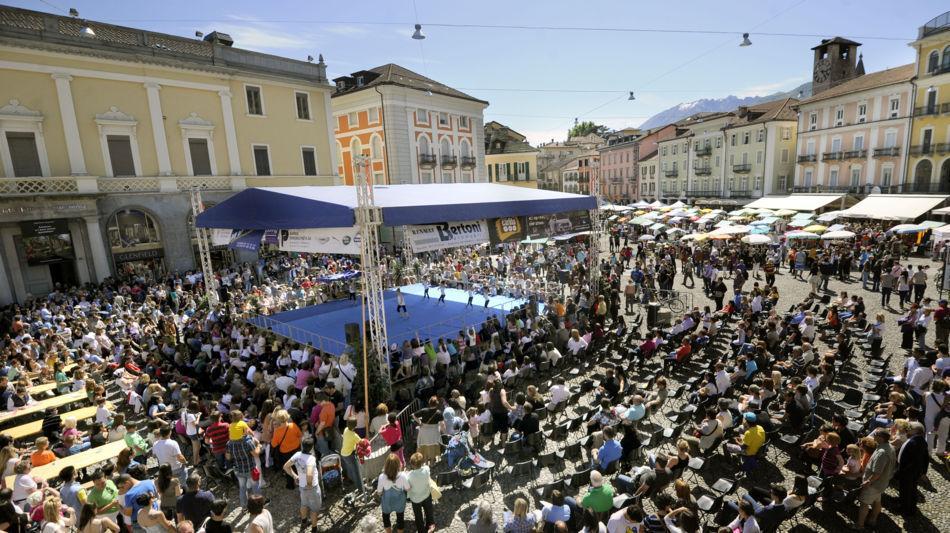 locarno-fragole-in-piazza-2434-0.jpg