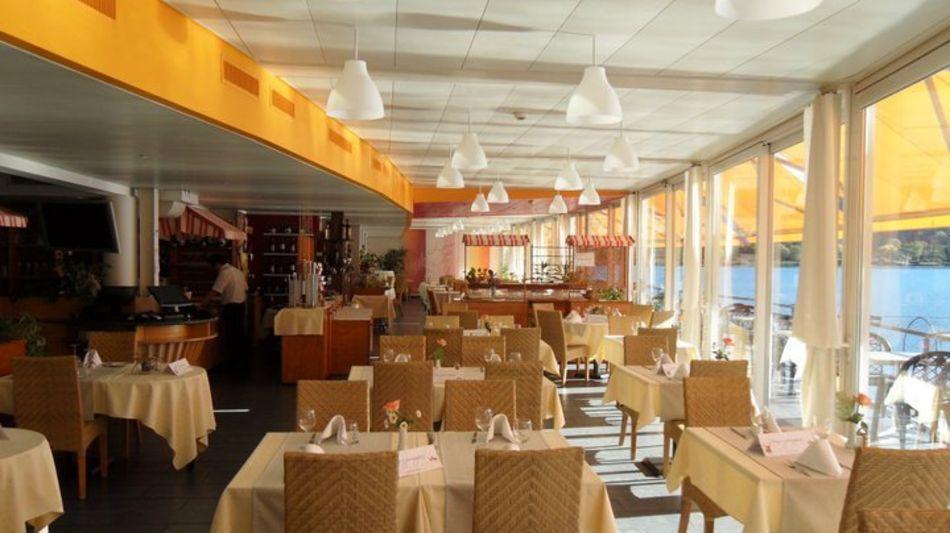 ponte-tresa-ristorante-la-piazza-2419-0.jpg