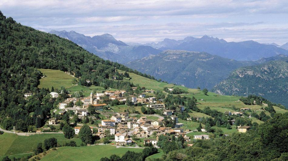 alto-malcantone-veduta-paese-arosio-631-0.jpg