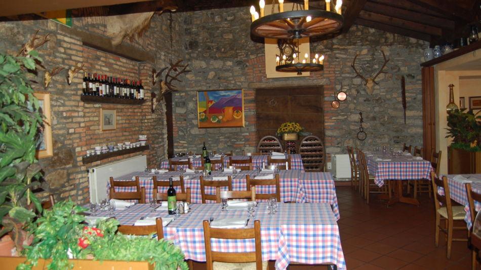 castel-san-pietro-grotto-loverciano-3827-0.jpg