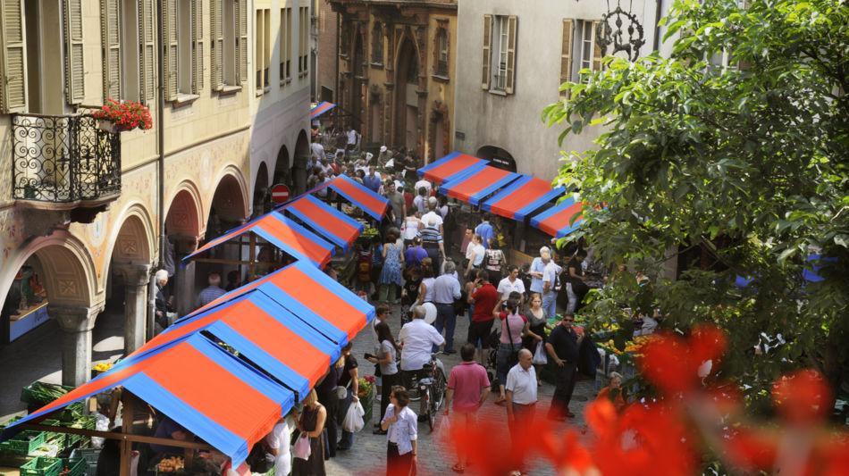 bellinzona-samstagmarkt-5930-0.jpg