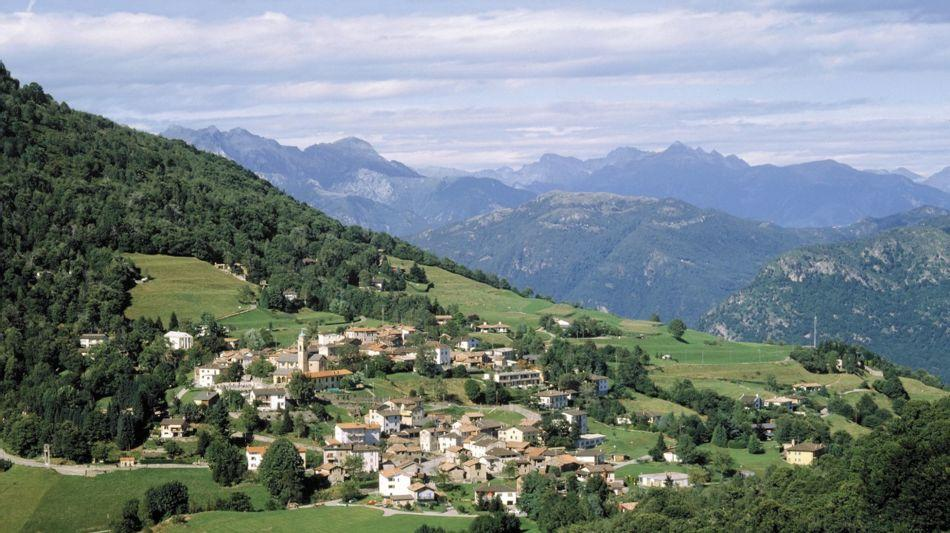 alto-malcantone-veduta-paese-arosio-631-2.jpg