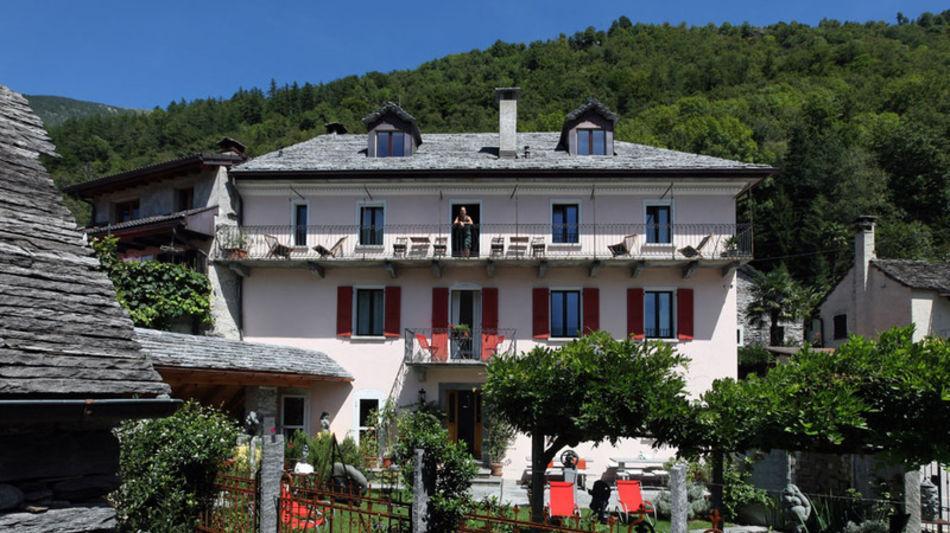 avegno-gordevio-hotel-casa-ambica-garn-6452-0.jpg
