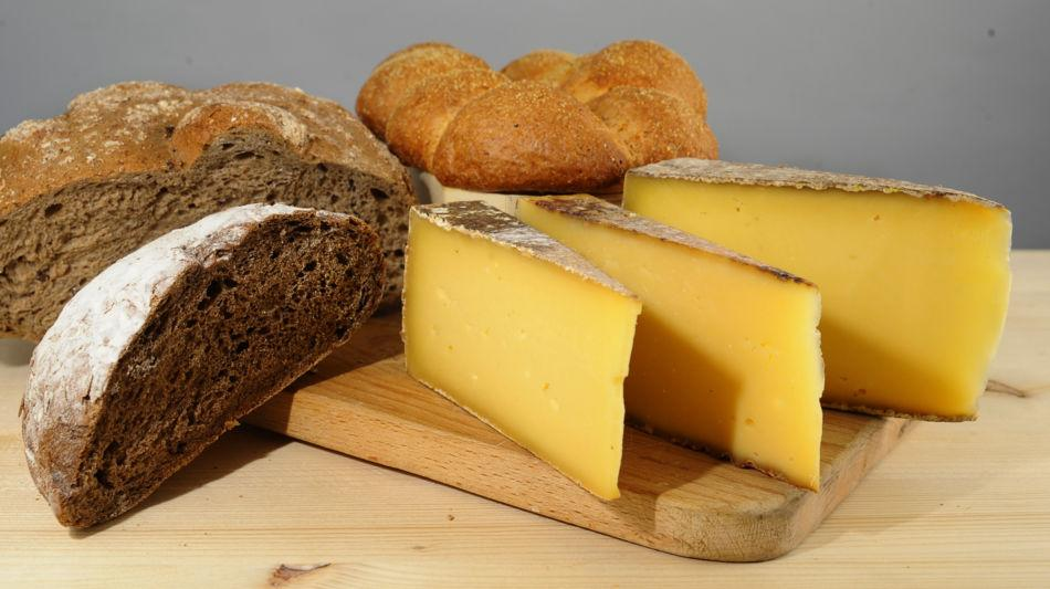 lugano-trevano-formaggio-tre-pani-pane-6585-4.jpg