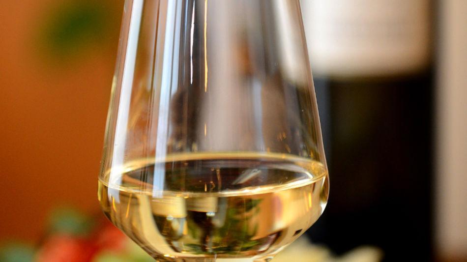 mendrisio-bicchiere-di-vino-4070-0.jpg