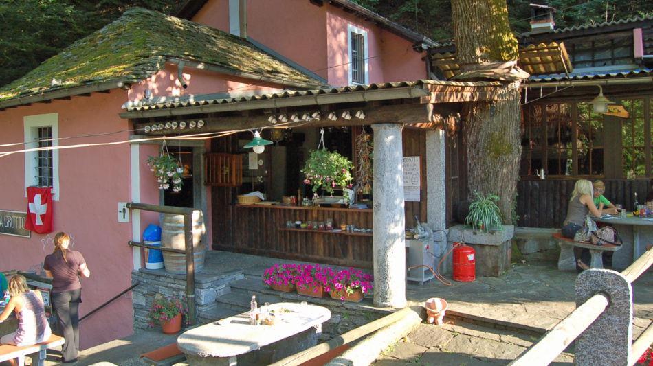 onsernone-grotto-brunoni-2013-0.jpg
