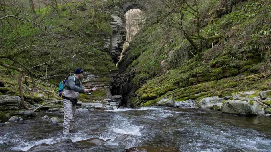 pesca-nel-fiume-7597-0.jpg