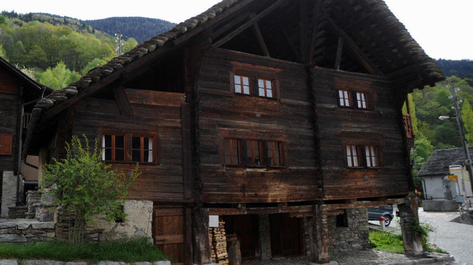 calonico-casa-piu-vecchia-del-ticino-8438-0.jpg