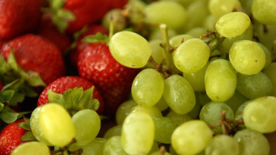 frutta-uva-e-fragole-8163-0.jpg