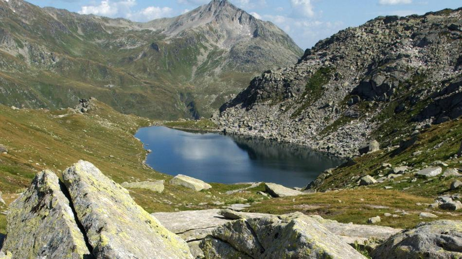 laghetto-alpino-sul-san-gottardo-8313-0.jpg