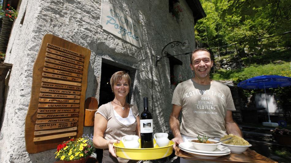 lavizzara-grotto-pozzasc-peccia-2282-0.jpg