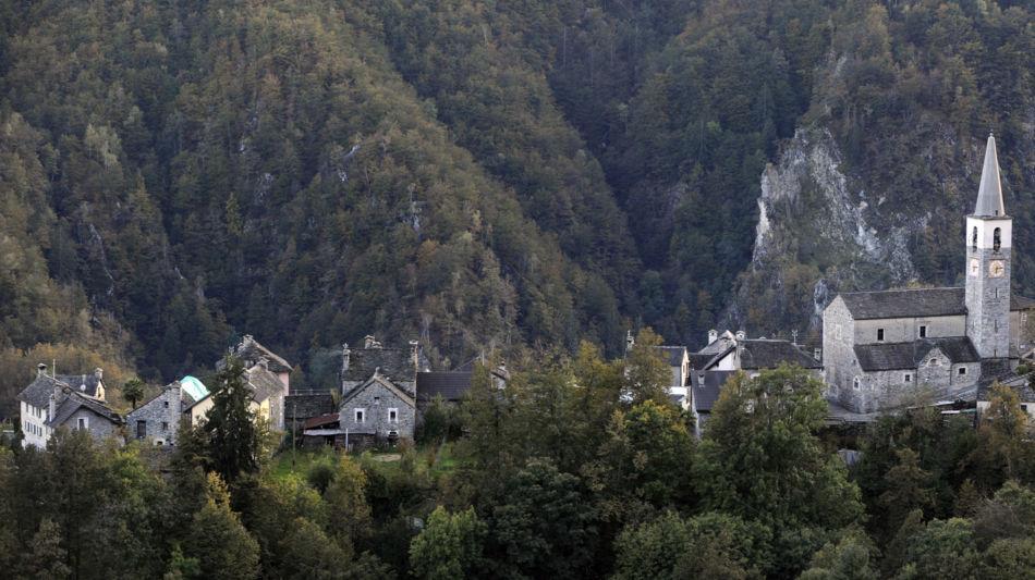 villaggio-di-borgnone-8100-0.jpg