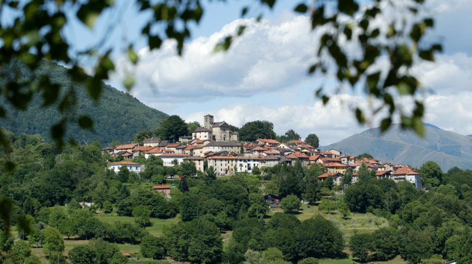 alto-malcantone-veduta-paese-breno-6630-0.jpg
