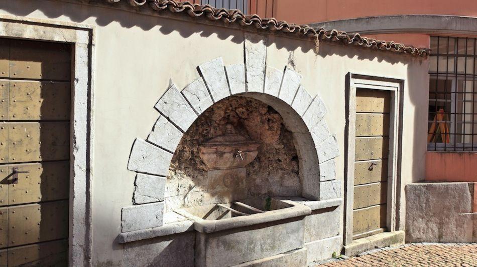 fontana-nucleo-paese-di-arzo-8625-0.jpg