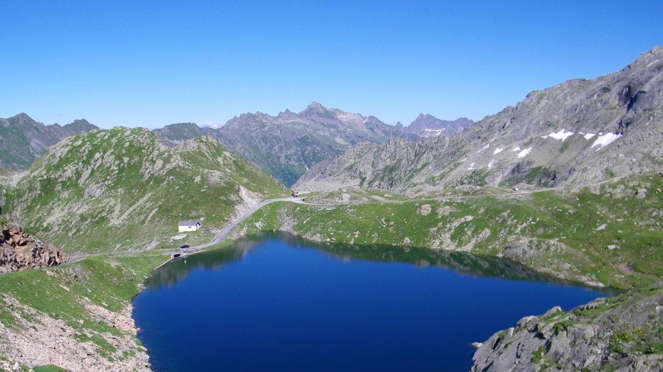 robiei-laghetto-alpino-1300-0.jpg