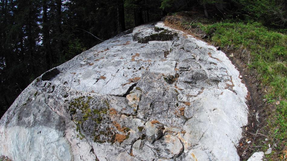 sentiero-pietra-ollare-in-vallemaggia-8803-0.jpg