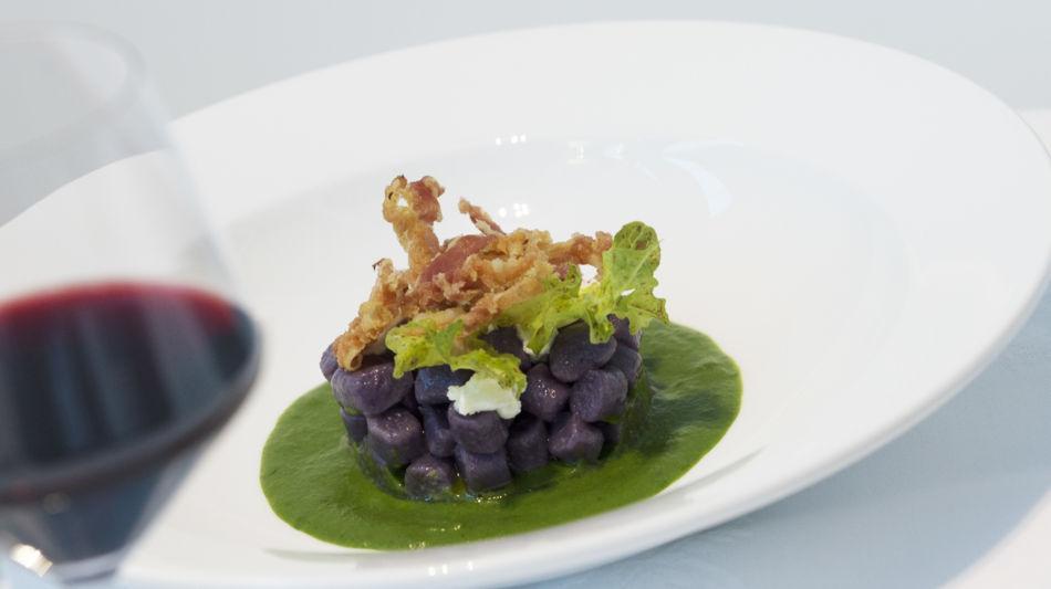 gnocchi-di-patate-viola-con-insalata-d-7765-0.jpg