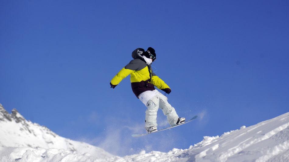 bosco-gurin-snowboard-4207-0.jpg