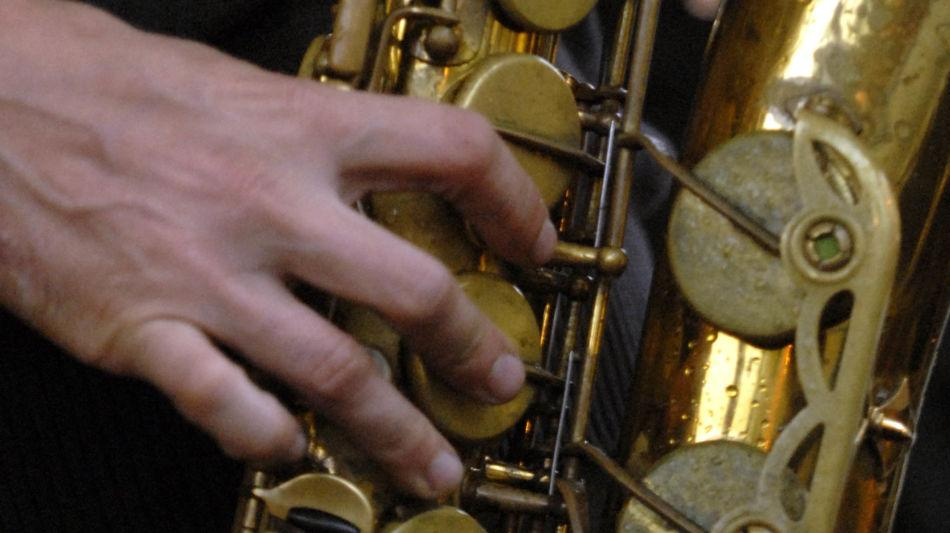 strumento-musicale-sassofono-9817-0.jpg