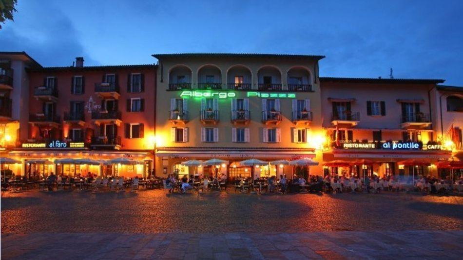 ascona-al-piazza-1082-0.jpg