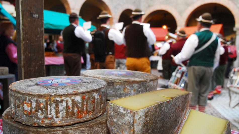 bellinzona-mercato-bellinzona-formaggi-9234-0.jpg
