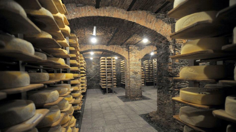 airolo-formaggio-caseificio-lombardi-6890-1.jpg