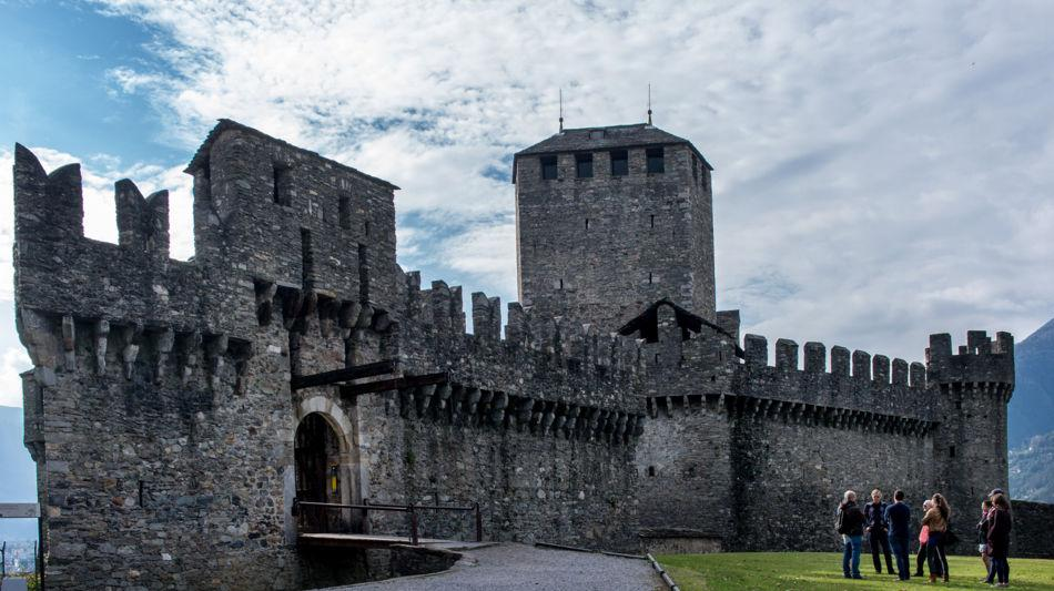 bellinzona-castello-di-montebello-1098-1.jpg