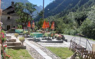 campo-vallemaggia-ristorante-monaci-1132-0.jpg