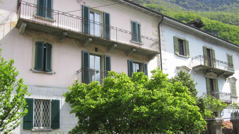 casa-signorile-a-someo-1106-0.jpg