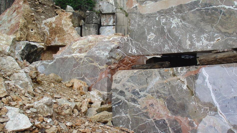 cave-marmo-di-arzo-1122-0.jpg