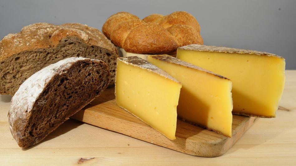 lugano-trevano-formaggio-tre-pani-pane-6585-0.jpg