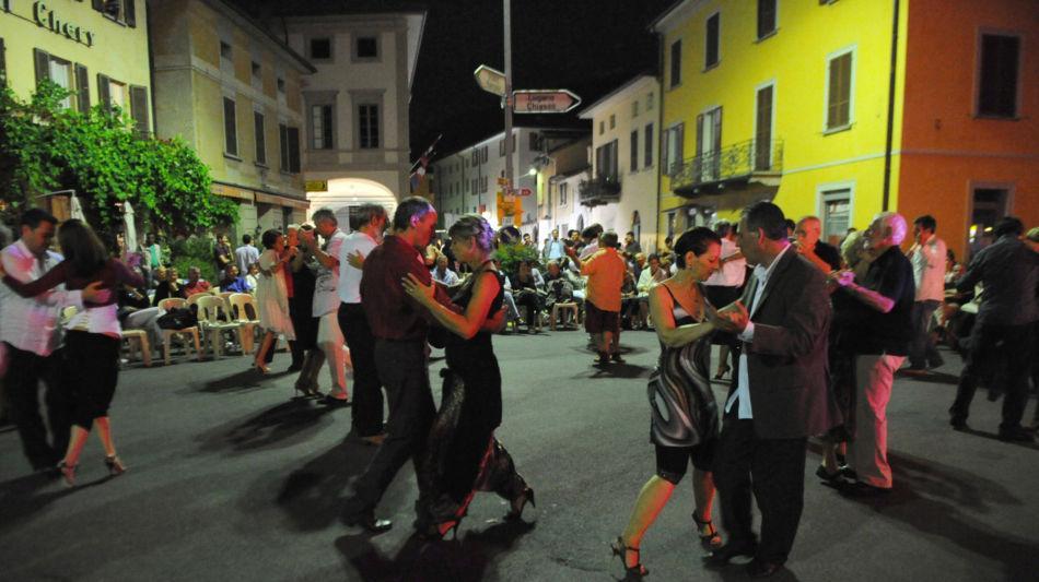 riva-san-vitale-festa-danzante-1146-0.jpg